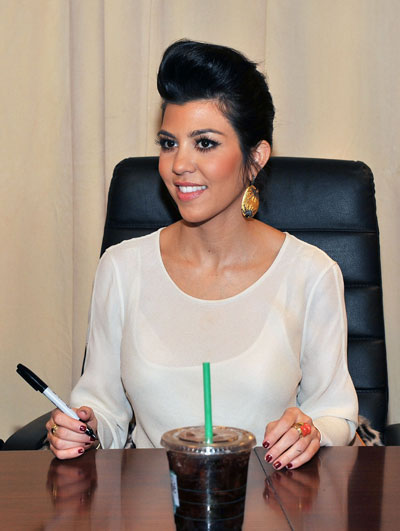 1201-kourtney-kardashian-pompadour-hairstyle_bd