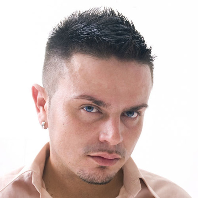 200356-short-hairstyles-for-men-fade-haircut