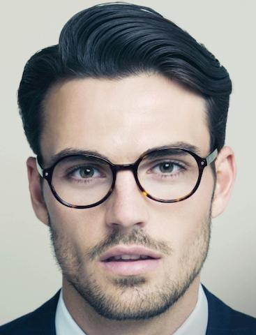 A-classic-side-part-hairstyle-for-men